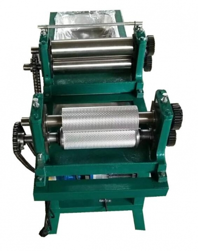 Electric beeswax foundation machine